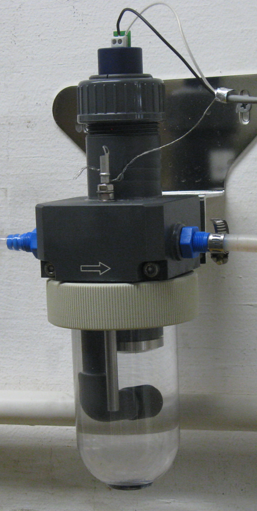 Foxcroft total chlorine sensor and flow cell